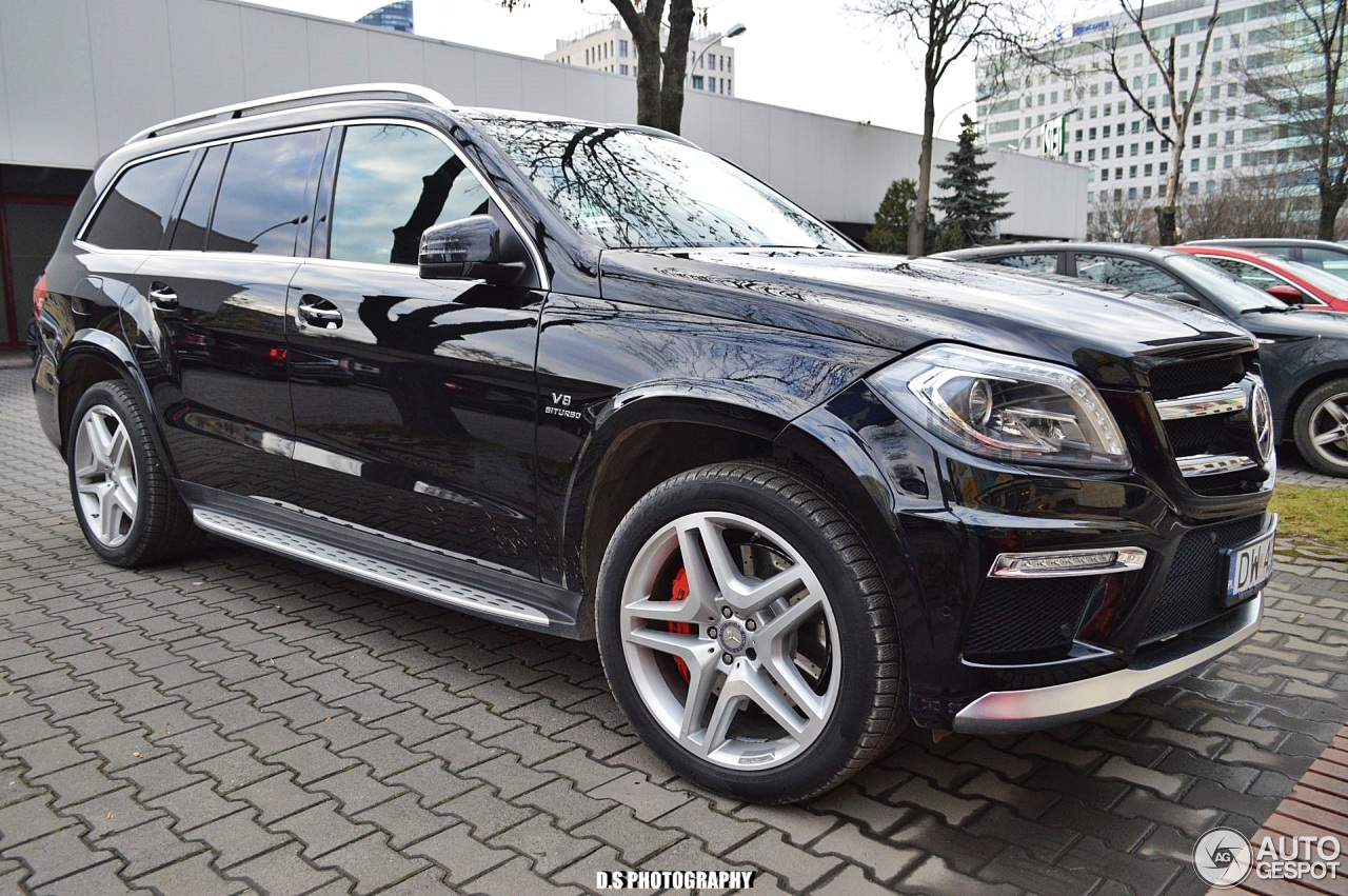 mercedes benz gl 63 amg x166 29 december 2017 autogespot. Black Bedroom Furniture Sets. Home Design Ideas