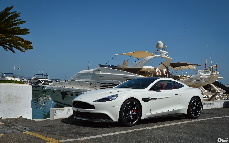 Aston Martin Vanquish 2017 Carbon White Edition 29